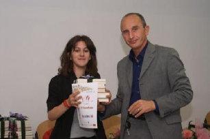 3 Premio a Pamela Bernardini (premia il Dott. Giusti